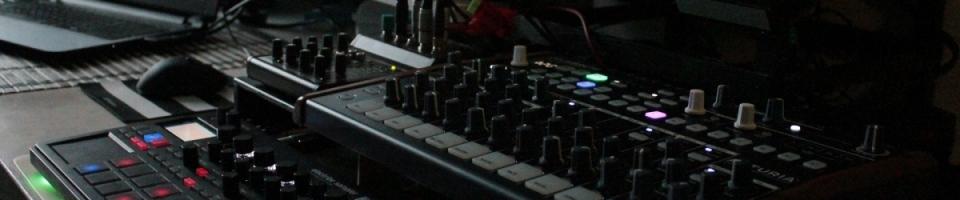 Workshop: syntezátory a další hudební mašinky
