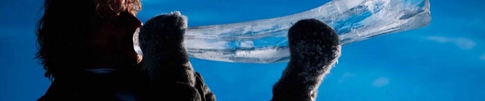 Ani mráz je nezastaví! V Norsku zahráli na nástroje z ledu