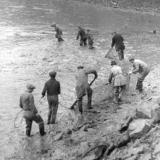 Historické fotografie kempu a Podhradského rybníka