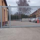 Automatická posuvná brána