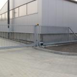 Samonosná automatická posuvná brána.