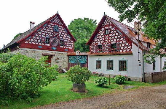 Ikonickou budovou chebské lokality je Rustlerův statek; foto Lubor Ferenc