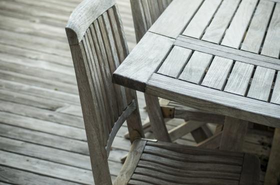 Dlouhou životnost a luxusní vzhled za odpovídající cenu, to všechno nabízí nábytek vyrobený z teakového dřeva
