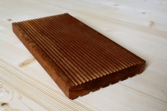 Terasy z massarandubového dřeva vypadají skvěle a dlouho vydrží, tedy pokud jim poskytnete adekvátní péči