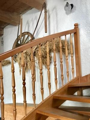 Nové dřevěné schodiště