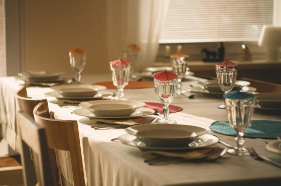 Jídelní stůl je dominanta prostoru.