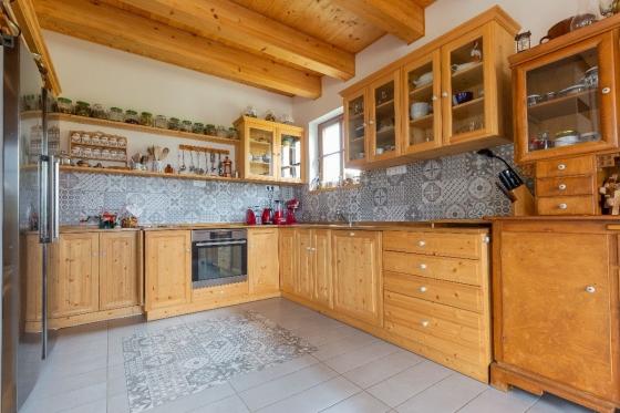 Ukázka rustikální kuchyně UNIS-N