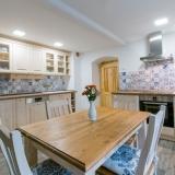 Kuchyně v rustikálním stylu. Zdroj: Archiv UNIS-N