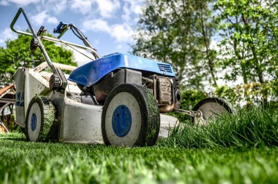 Zkontrolujte, jestli zima nezpůsobila škody zahradní technice