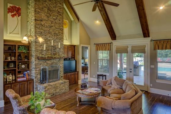 Obývací pokoj s rustikálními prvky