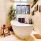 Rustikální koupelna – harmonické prostředí pro každodenní relax