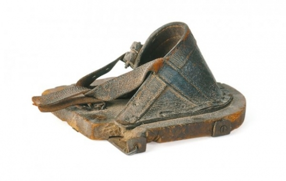dřevák pro koně - http://www.woodenshoes.nl/en/museum