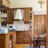 5 stylových prvků, které by v žádné rustikální kuchyni neměly chybět