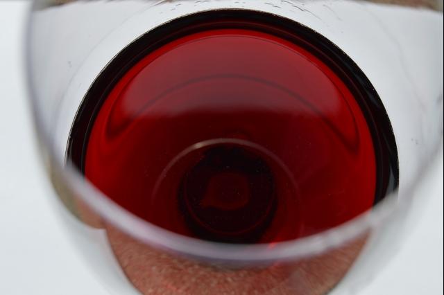 Frankovka Maňák 2012 - rubínová barva