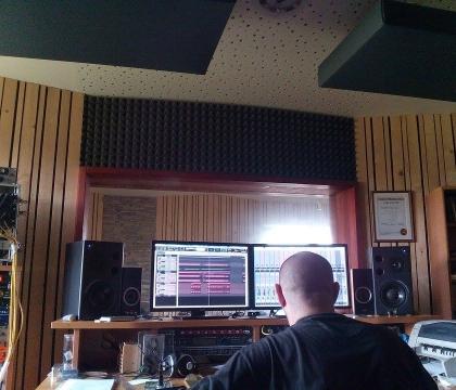 Režie v nahrávacím studiu Ziki Records