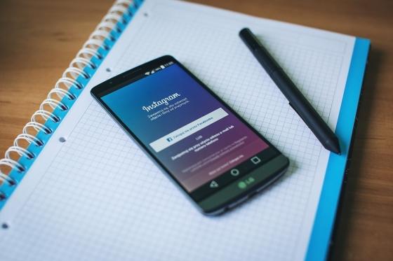 Pokud některá značka není na Instagramu, zůstává značka opodál
