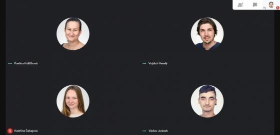 Místo setkání: Google Hangouts