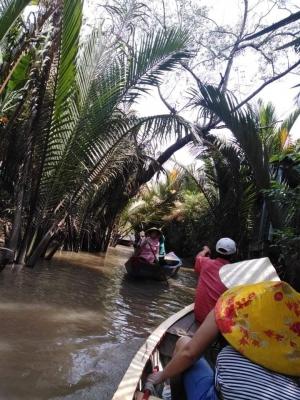 Pavlína plující deltou Mekong