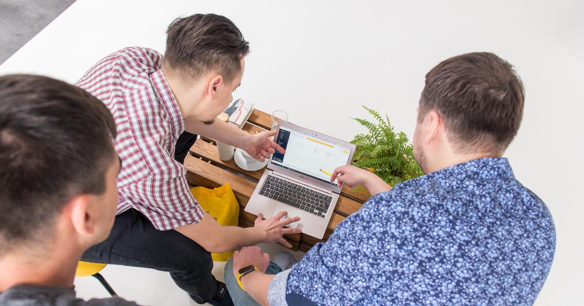 Atmosféra je v interním týmu agentury Optimal Marketing velmi přátelská. O totéž se snažíme i v komunikaci s klienty.