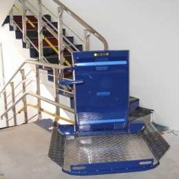 CPM 300 sloping staircase platform