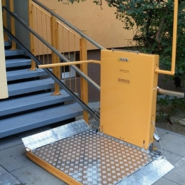 IPM 300 sloping staircase platform